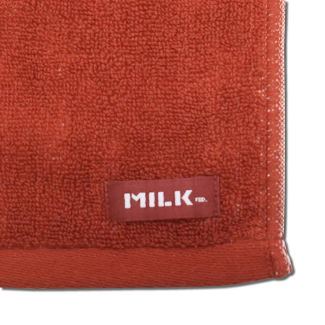 AKTRxMILKFED. SPORTS TOWEL RED