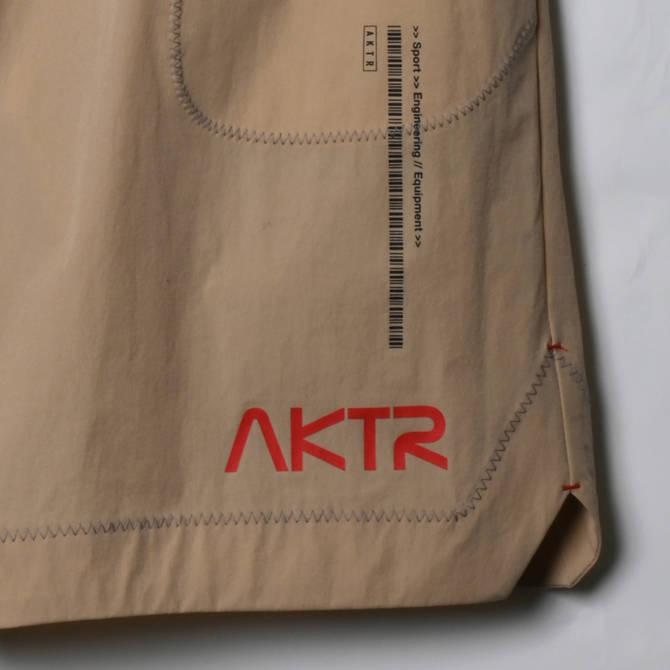 AKTR SPACE SUIT SHORTS MOON BEIGE【221-005002】