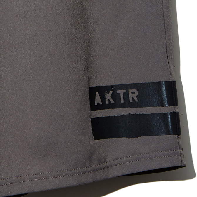 AKTR【INDUSTRY SHORTS】GRAY