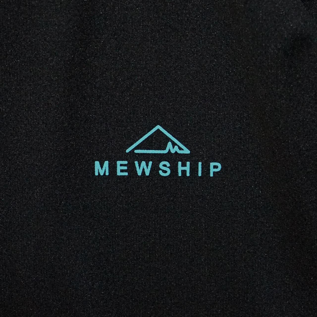 Mewhip50 BASE LOGO S/S PL <Black×B.Green>